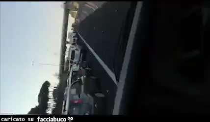"""Coronavirus, auto in coda sul Raccordo Anulare di Roma: """"Vanno a fare la gita fuori porta"""""""